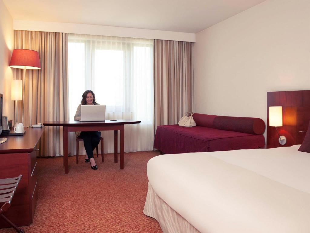 See all 30 photos Hotel Mercure Brussels Airport
