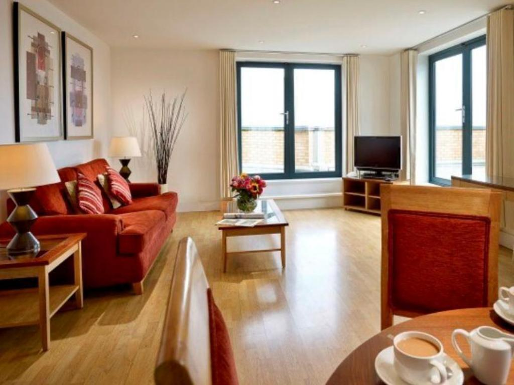 Best Price on Marlin Apartments Stratford in London + Reviews