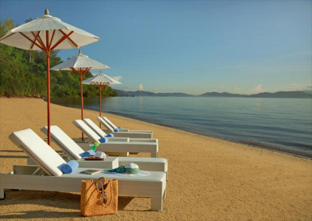 Beach Gaya Island Resort