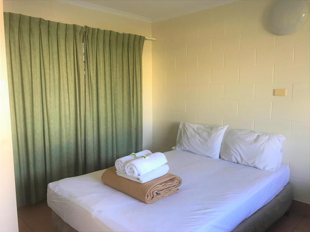 Privat dubbelrum - Säng Koala Beach Resort Cairns