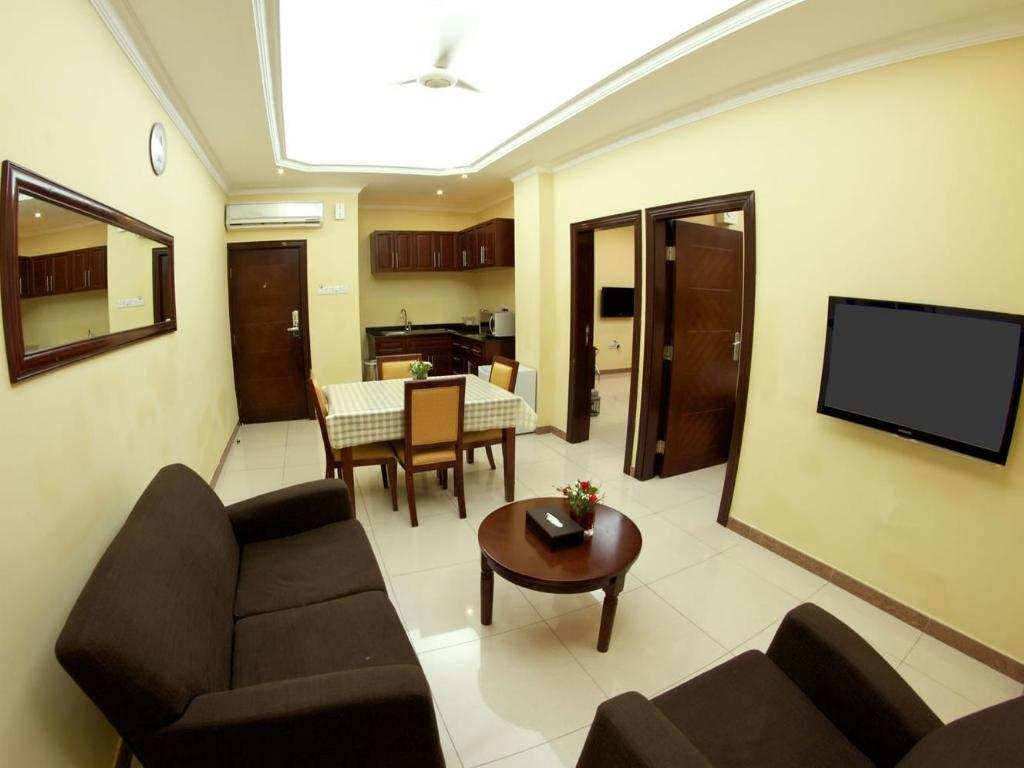 Vista Interior Tanzanite Executive Suites Hotel