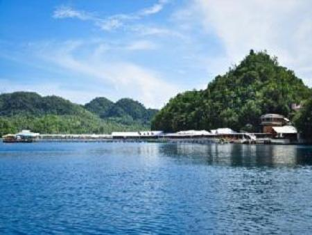 Pantai Hidden Island Resort