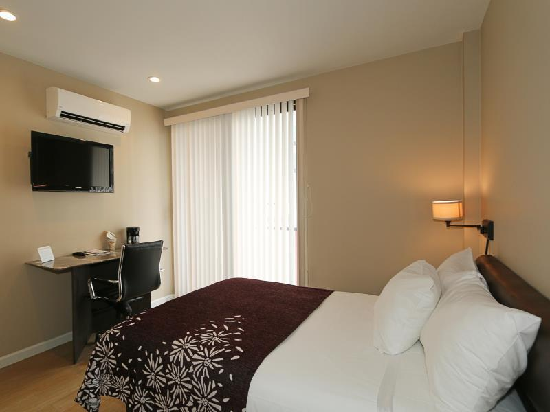 Studio Balcony Double