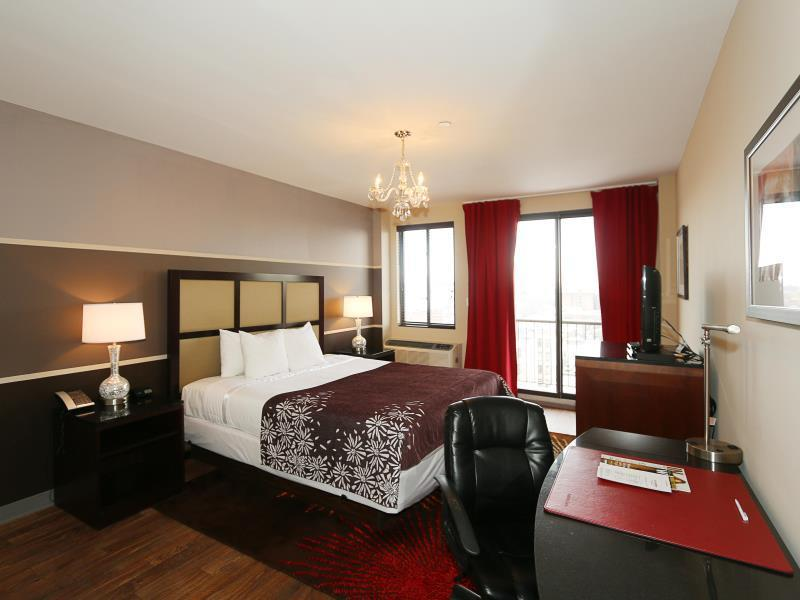 Standard King bed with Balcony