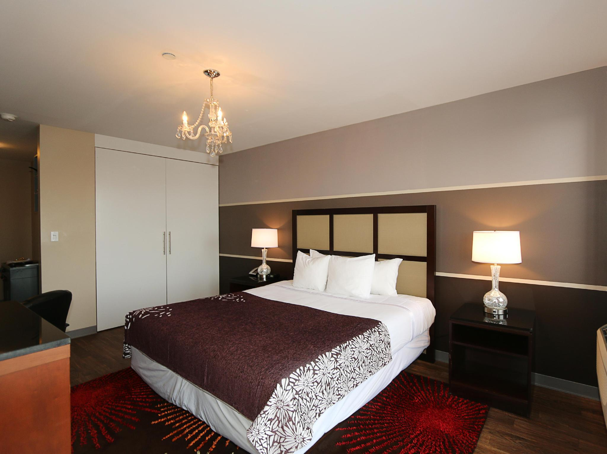 Executive King Balcony Room