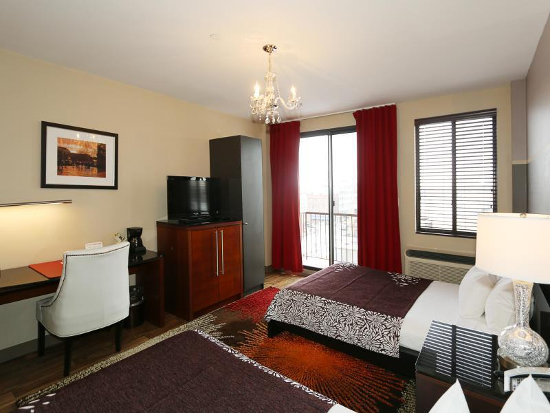 Deluxe Two Full Beds with Balcony