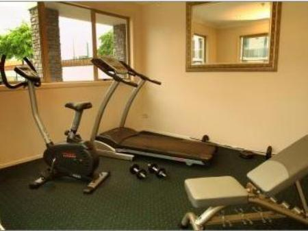 Fitness center Emerald Spa Motor Inn