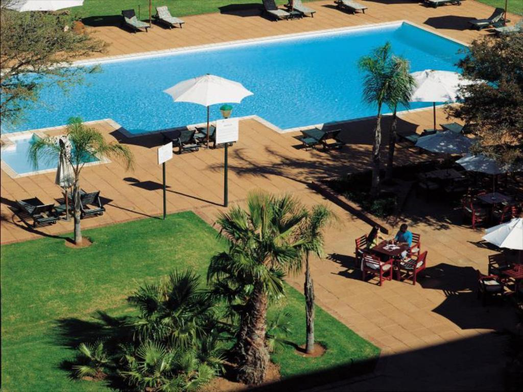 Swimming pool Peermont Walmont at The Grand Palm - Gaborone