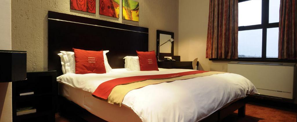 Executive Twin Bed Room Peermont Metcourt Inn at The Grand Palm - Gaborone