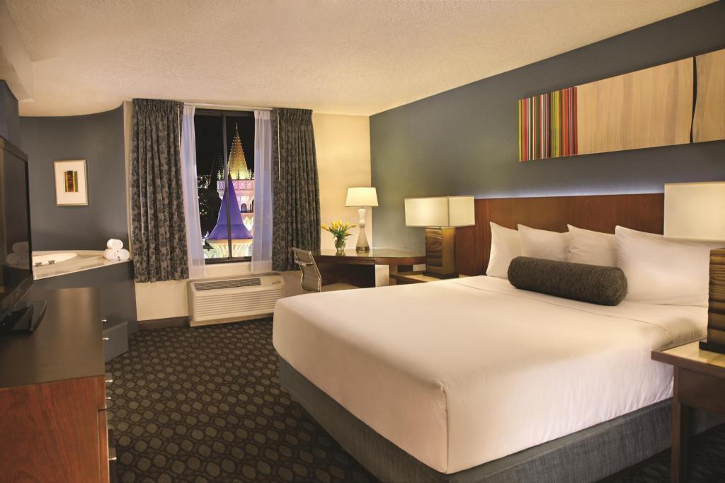 Excalibur Hotel In Las Vegas Nv Room Deals Photos