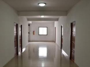 Yong Dee Apartment