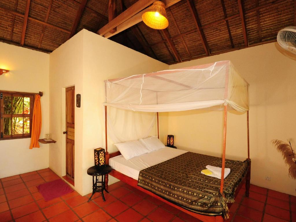 Standard Double Bungalow - Bed Kep Lodge