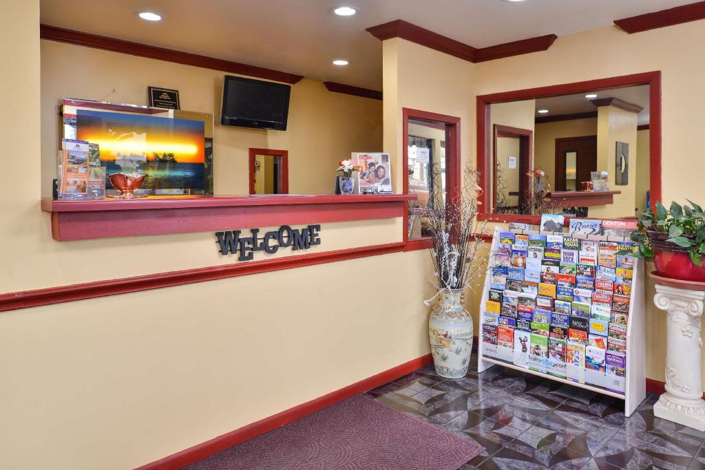 Lobby Americas Best Value Inn Buda Austin S