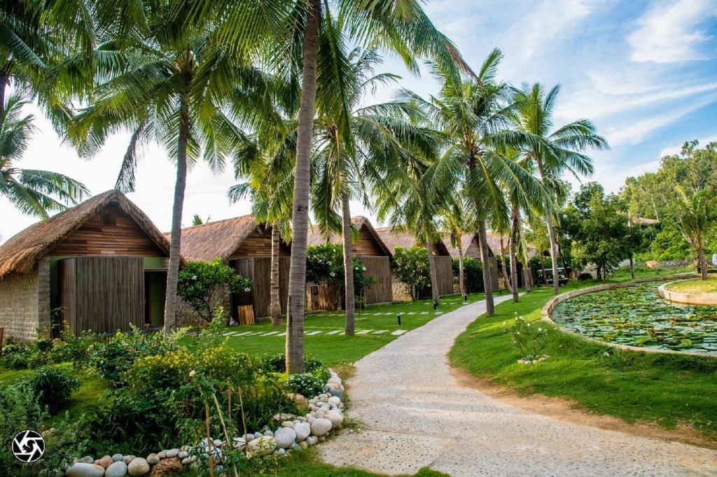 CASA MARINA RESORT Hotel (Quy Nhon (Binh Dinh)) - Deals, Photos & Reviews