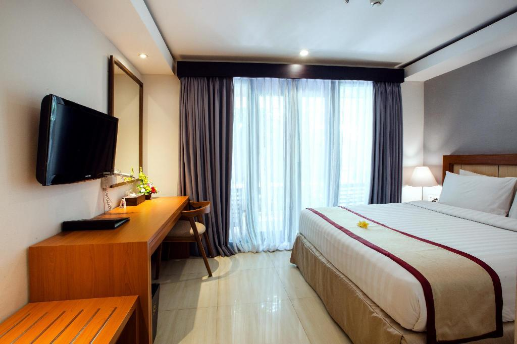 Superior Double Bed - Bed Royal Singosari Kuta