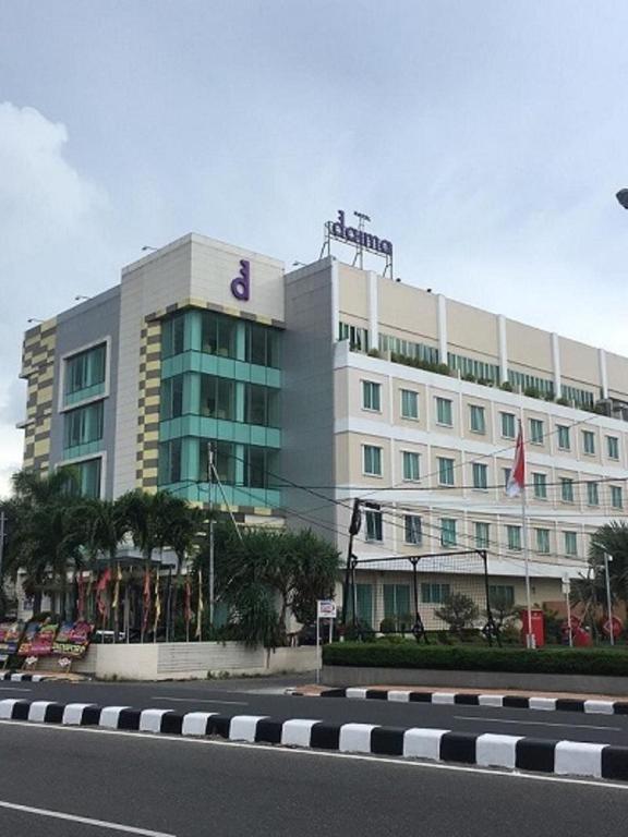 Daima Hotel Padang Di Padang Ulasan Tepercaya Harga Terbaru 2021 Di Agoda