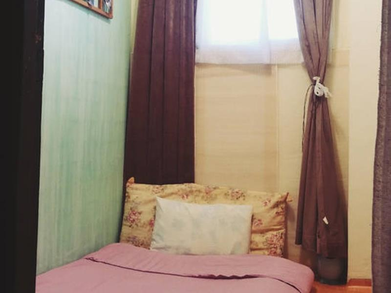Korean Style Single Room with Shared Bathroom