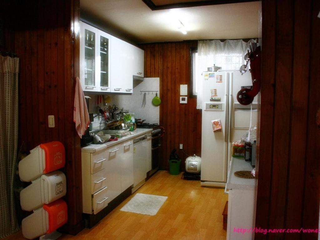 Interior view HomoNomad Guest House