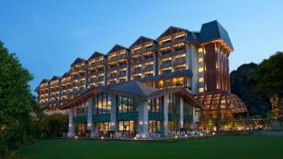 Resorts World Sentosa - Equarius Hotel (SG Clean Certified)