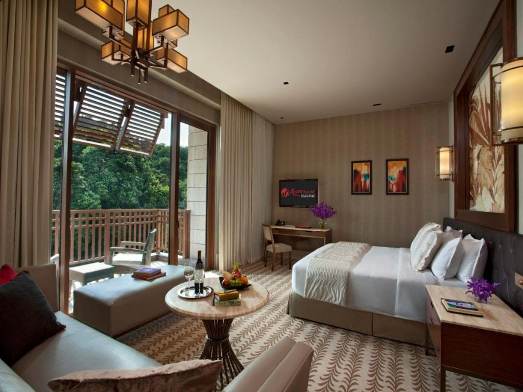 Deluxe  Resorts World Sentosa - Equarius Hotel (SG Clean Certified)