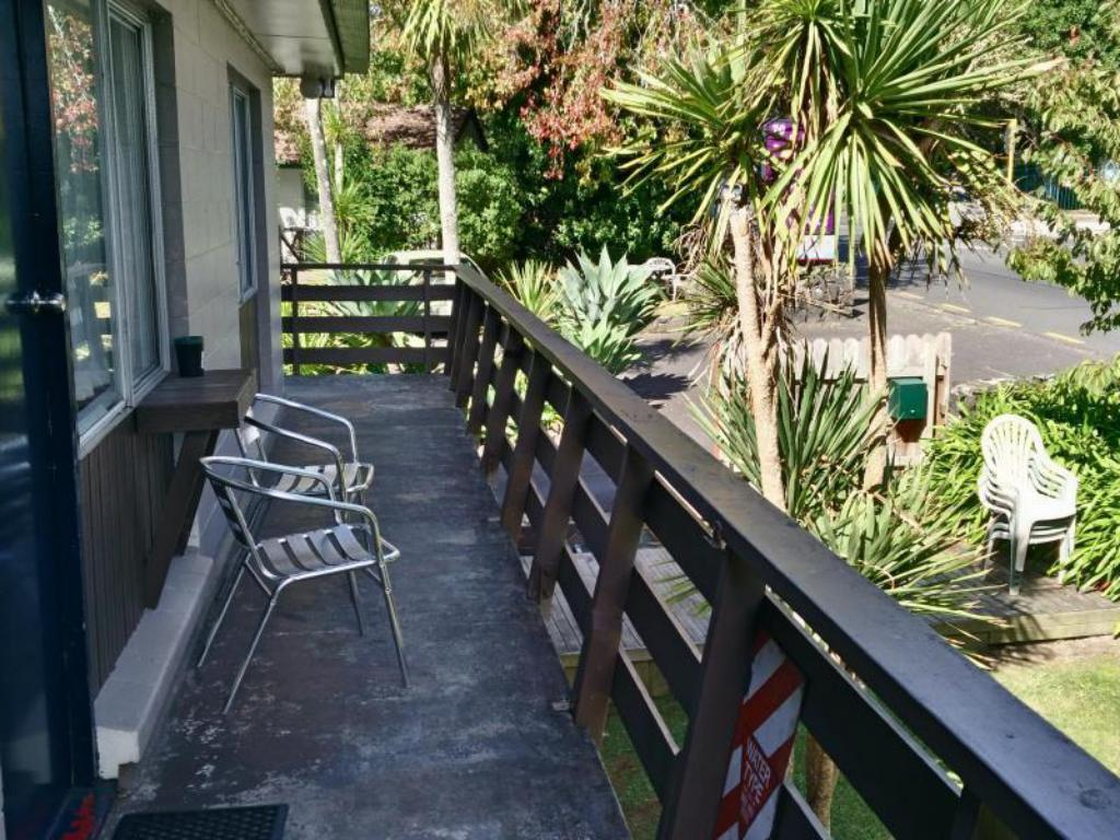 Siesta Motel in Auckland - Room Deals, Photos & Reviews