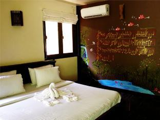 Kamar Standard Double dengan AC (Standard Double Air Conditioning Room)