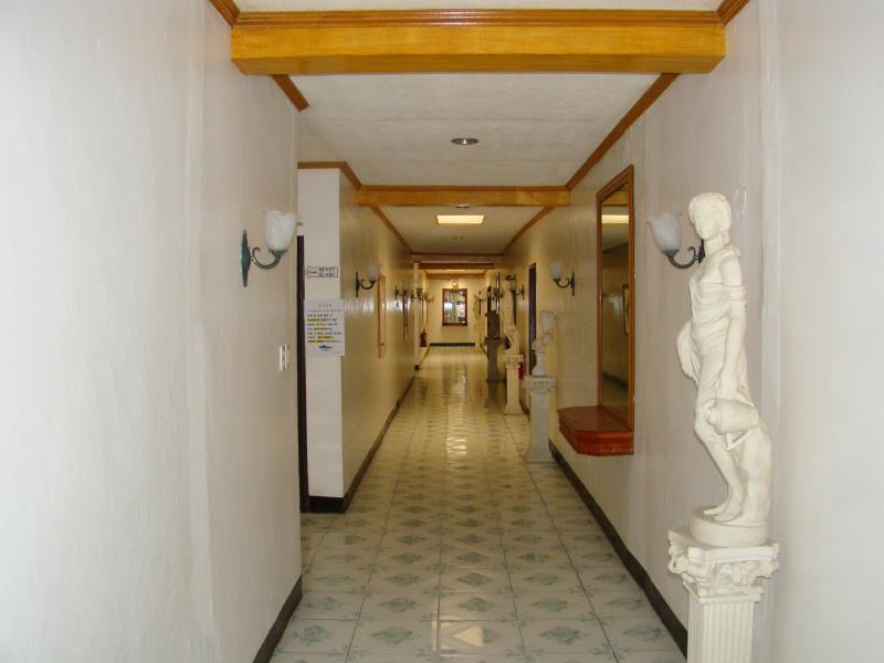Angeles sydney resort hotel inc in angeles clark room deals