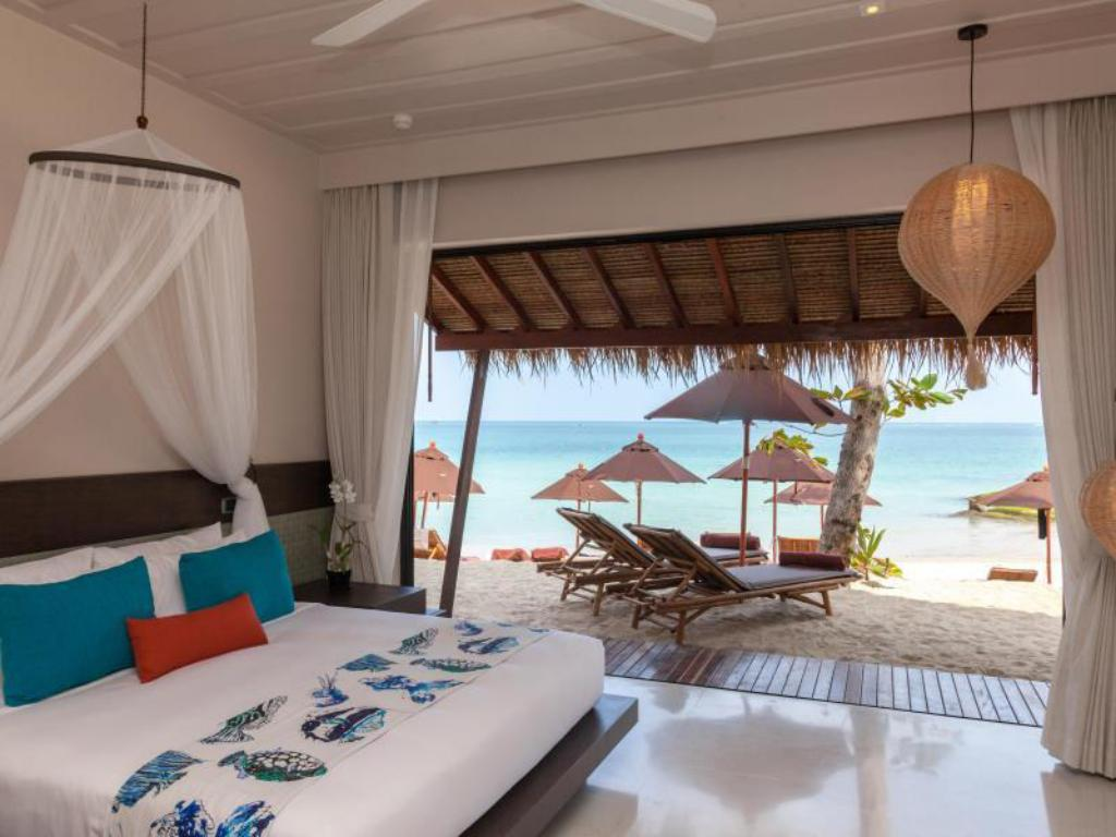 Rasa Oceanfront Room - View