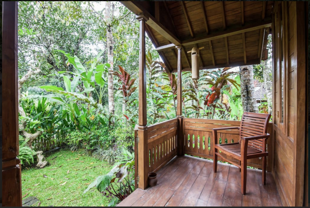 Hotellet indefra Song Broek Jungle Resort