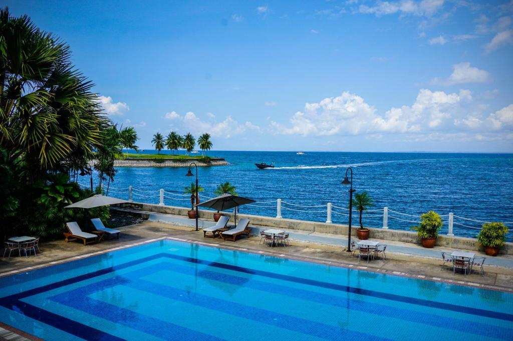 Swimming pool [outdoor] Kudat Golf & Marina Resort