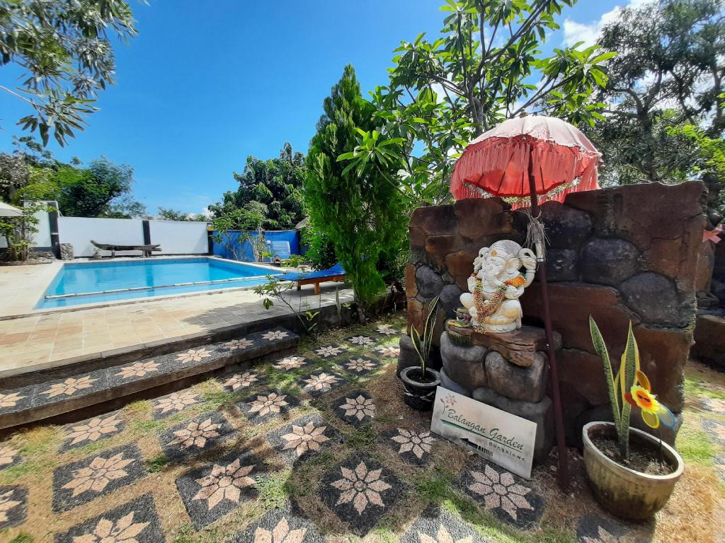 Garden With Swimming Pool balangan garden bungalow by gaing mas group guesthouse/bed