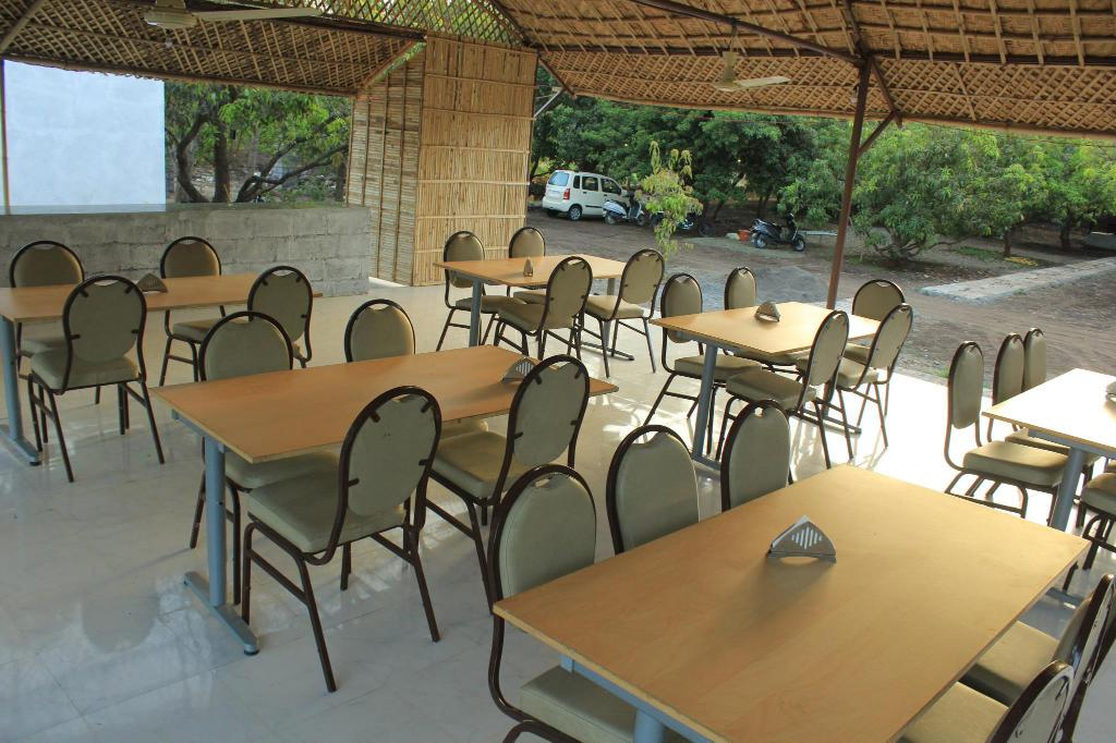 Restaurant Gir County Home Stay