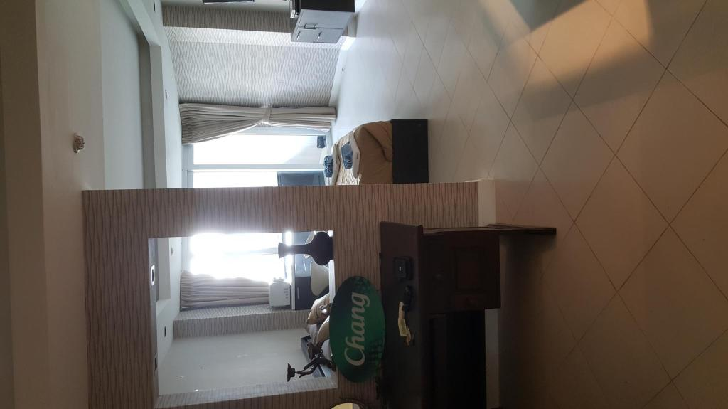 Hotellet indefra Nice apartment with big pool near central Patong.