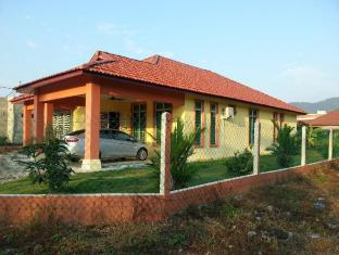 5 Rooms Bungalow Homestay RIZQI Kerteh