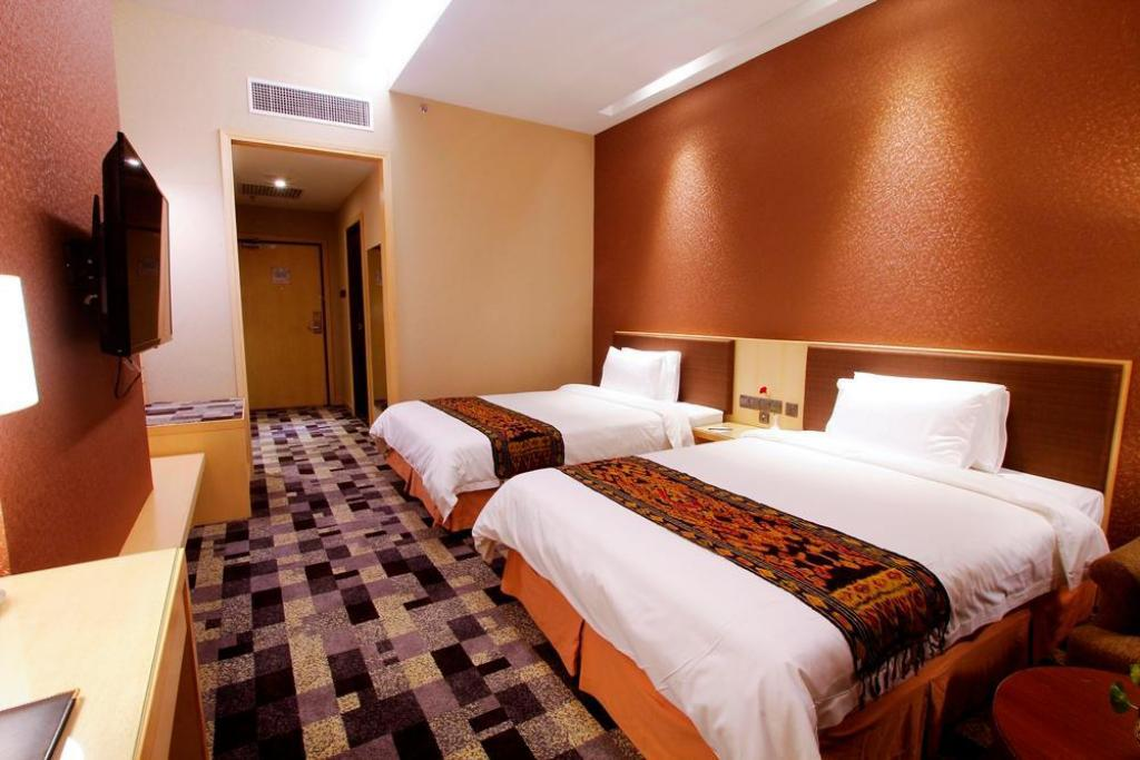 New Wing Standard Twin Room without View - Bed Imperial Hotel