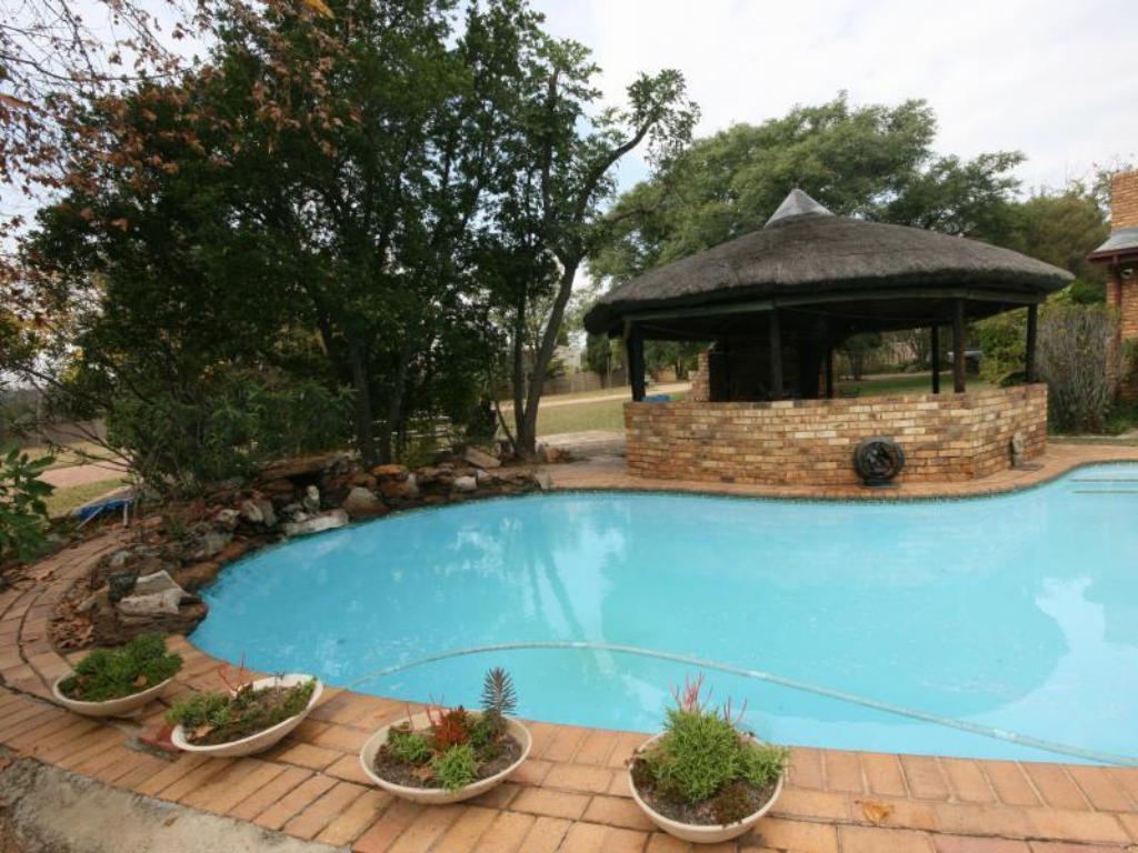 Uszoda Fourways Gardens Guest Estate
