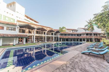 Swimming pool [outdoor] Palms Mount Lavinia