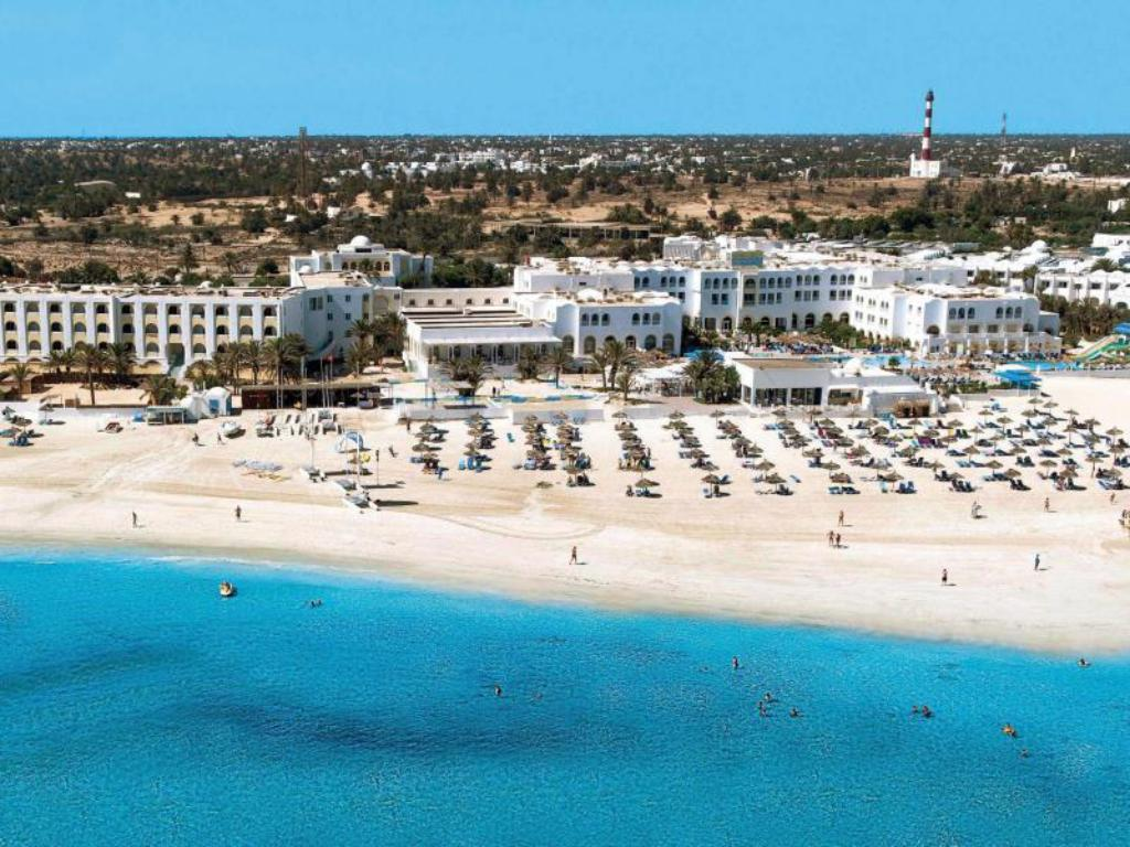 شاطئ كاليميرا ياتي (Calimera Yati Beach)