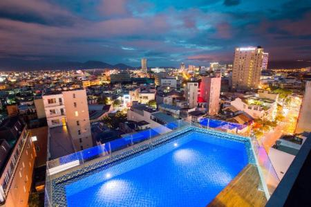 Swimming pool Central Hotel & Spa Danang