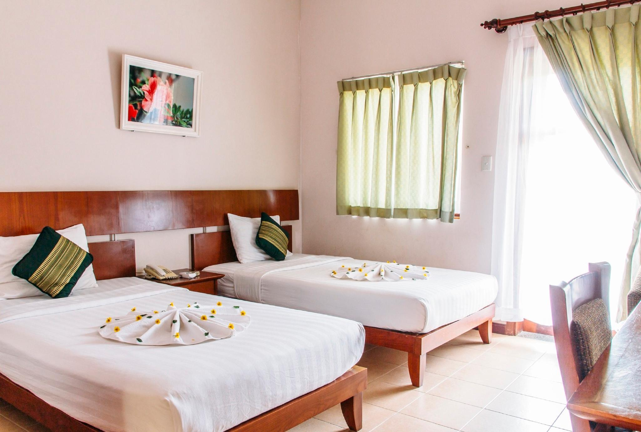 Green View Twin Room