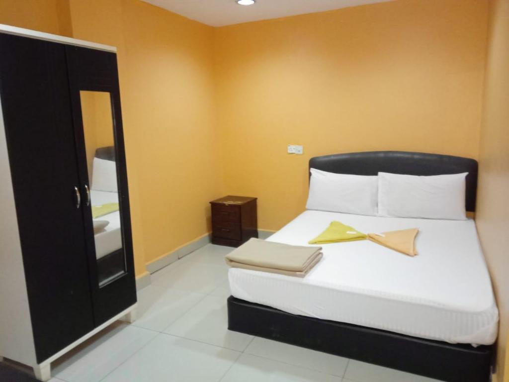 Kamar Double - Kamar Mandi Ampang Point Star Hotel