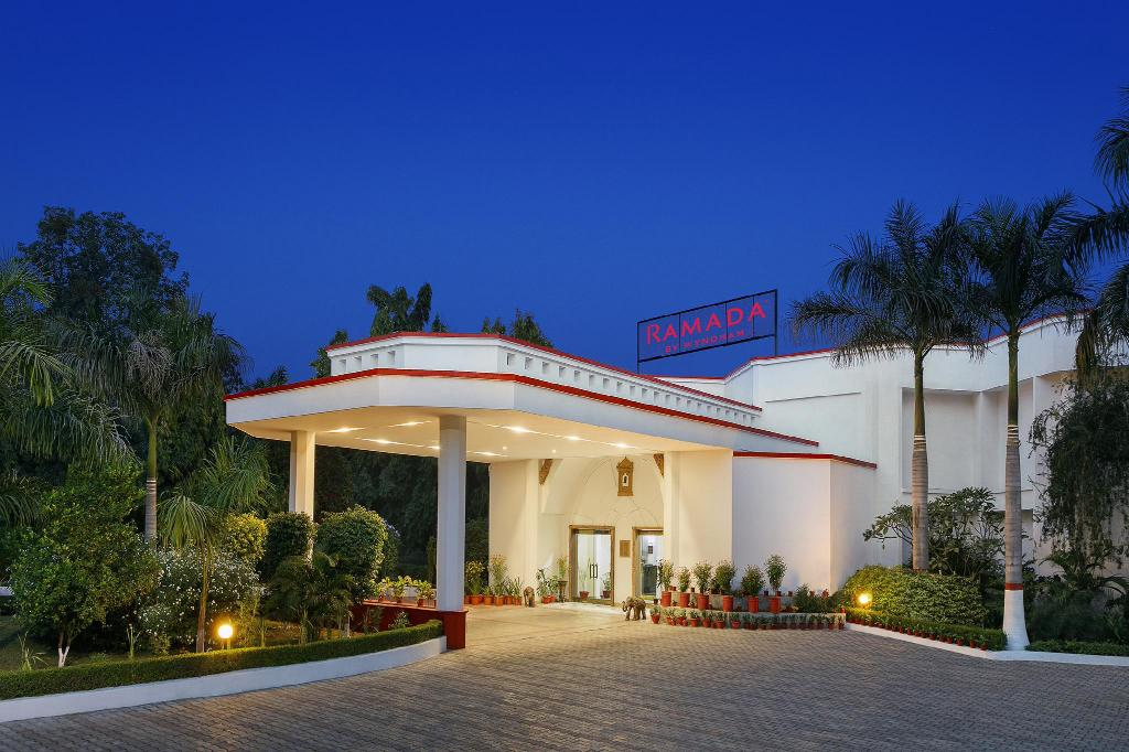 Ramada by Wyndham Khajuraho in India - Room Deals, Photos ... on