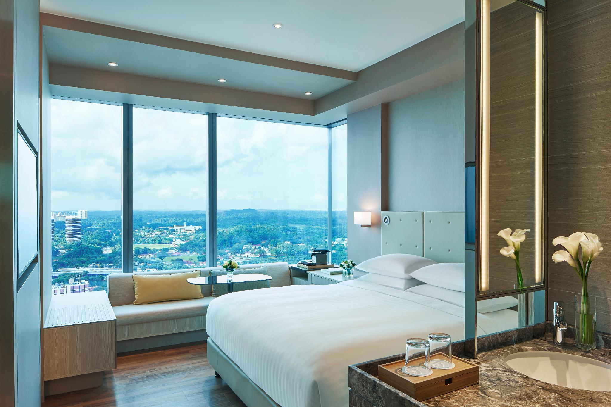 Premier Corner Room, Guest room, 1 King, Skyline view