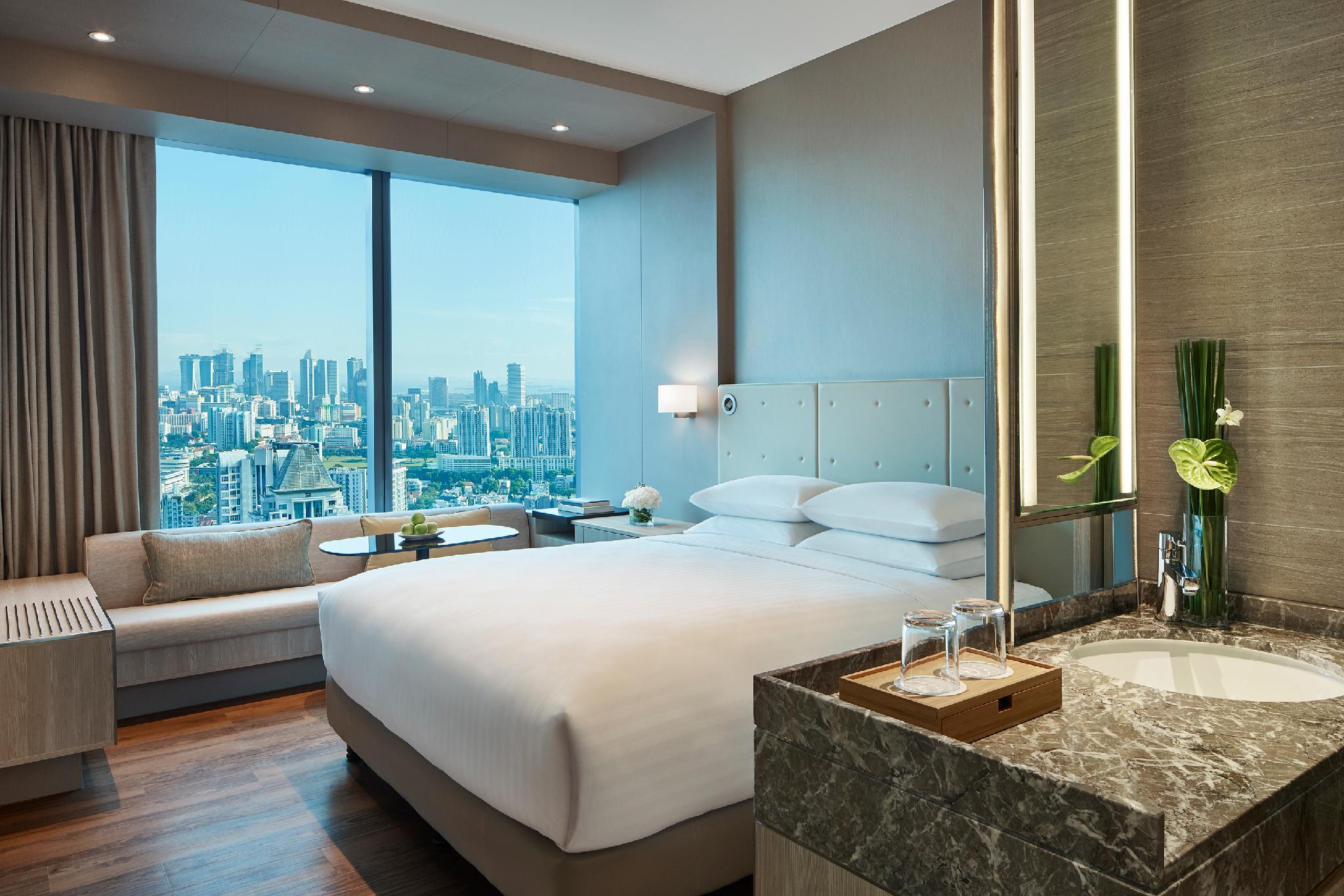 Premier Skyline Room, Guest room, 1 King, Skyline view