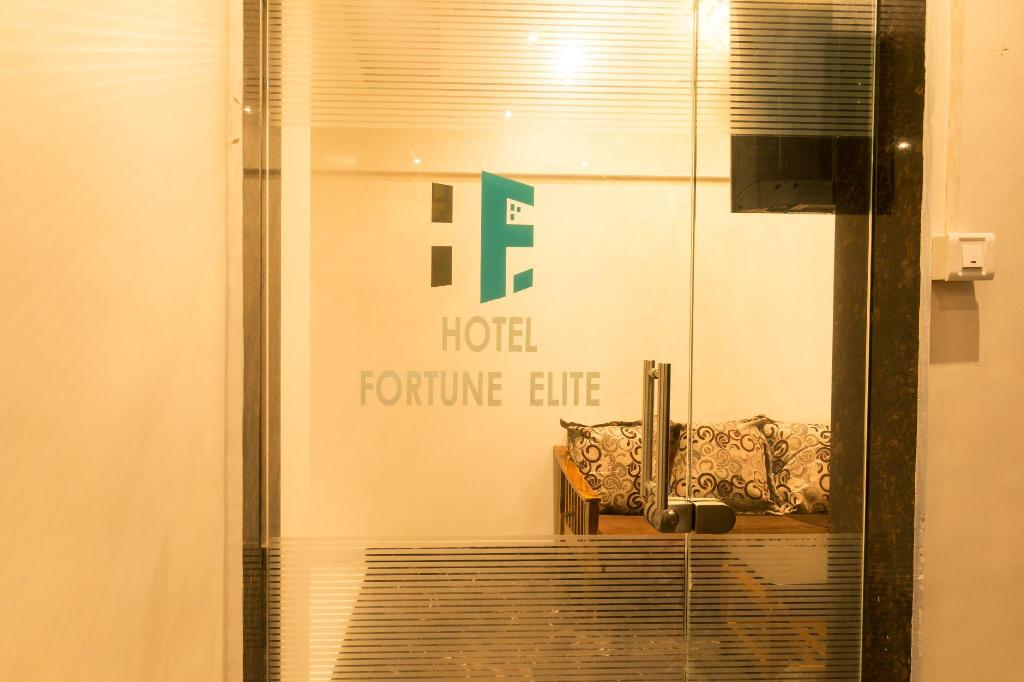 OYO 10056 Hotel Fortune Elite, Mumbai, India - Photos, Room