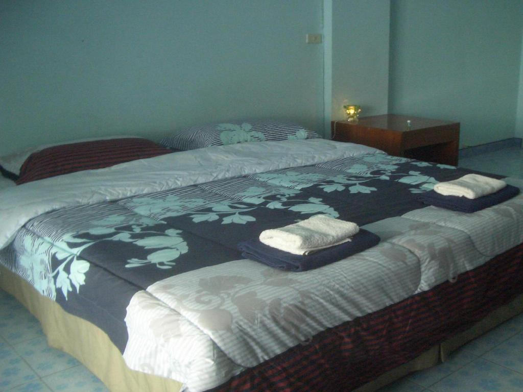 Kamar Standard Double T&T Ocean View Guesthouse