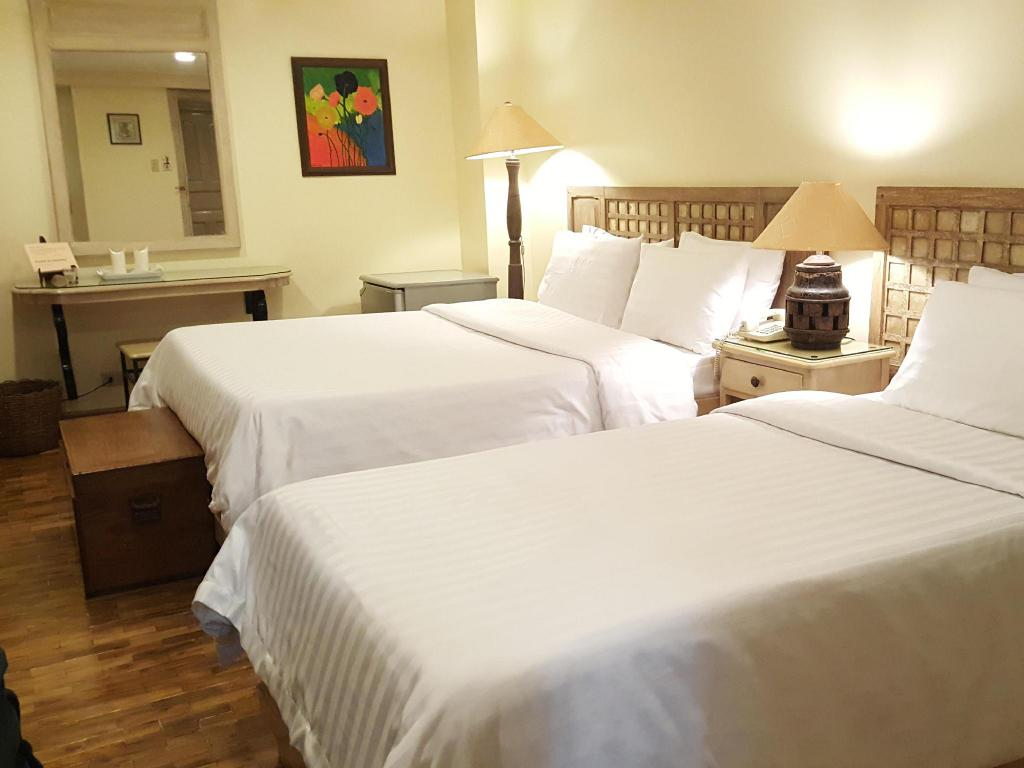 More about Roxas President's Inn
