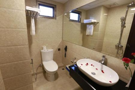 Deluxe Twin - Bathroom Rose Palace Hotel