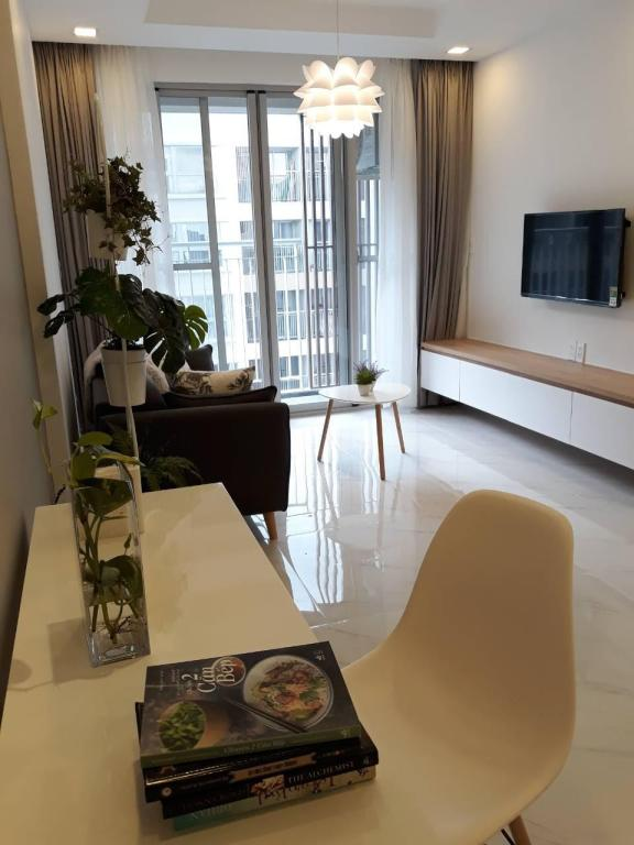 separat stue Ultra chic fully furnished 2BR in Phu My Hung (2BR apartment in Phu My Hung, D7)