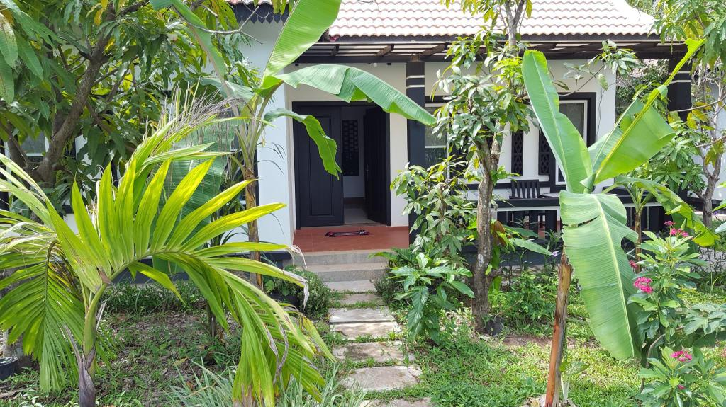 have LUXURY POOL VILLA BY ANGKOR EXPERIENCE